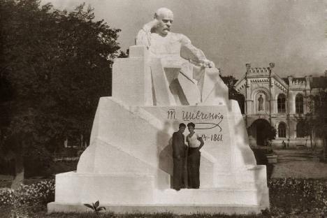 sumy-novosti-shevchenko-pamjatnik-1926