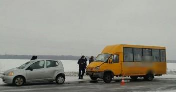 sumy-novosti-dtp-peschanoe-marshrutka