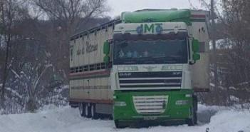 фура-в-снегу