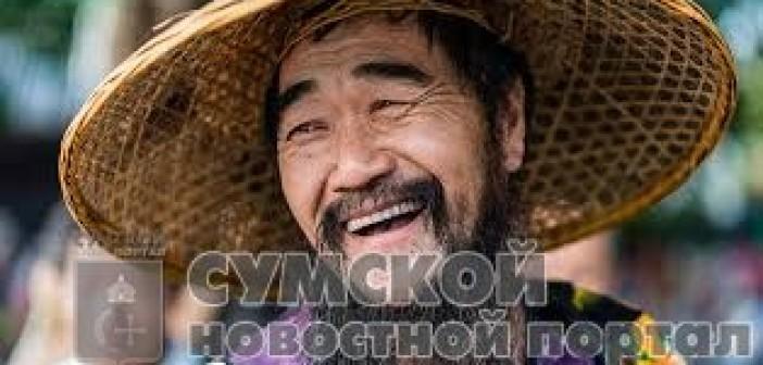 китаец-смеется