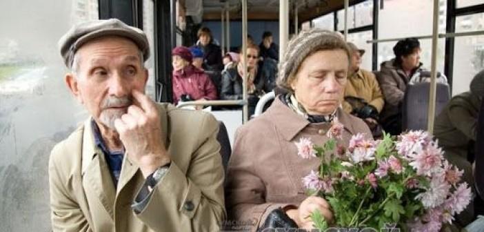 льготники-пенсионеры-автобус