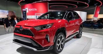 sumy-novosti-Toyota-RAV4
