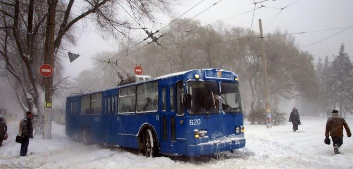 троллейбус-в-снегу